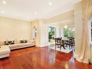 Leafy Private 2BR With Easy CBD Access BAN13, Cremorne