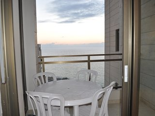 Nitza Boulevard - Sea-View 2 Bedroom Apartment, Netanya