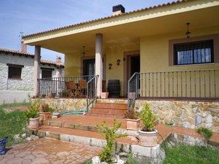 Casa Independiente con gran jardin y barbacoa