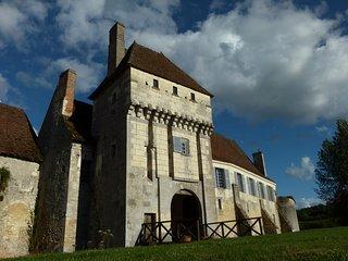 Chambre seigneuriale au château-monastère La Corroirie