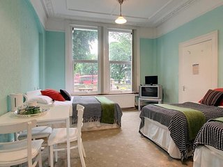 Caspian B & B - Quintuple Room 12 (5 Adults), Londres