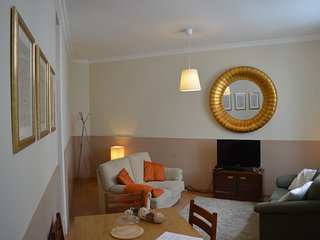 Historic and cosy apartment close to expo, Lisbon