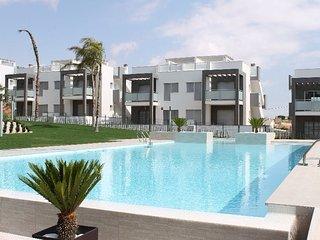 Zuidgericht gelijkvloers vakantieappartement recht tegenover het zwembad.