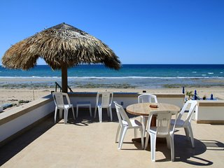 **BEACHFRONT** Las Conchas, Las Olas I #8, Sleep 8