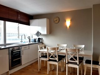 BARGAIN!! 3 Bed apartments by Oxford Street (LGA)