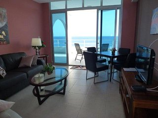 Lovely 4th floor Apartment for 2!, Playa Coronado