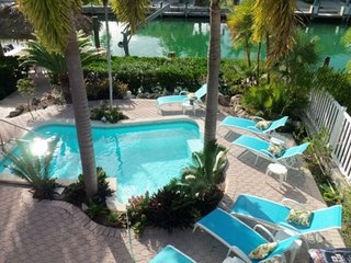 P34 Exquisite and spacious 4 bdm private pool home, Key Colony Beach