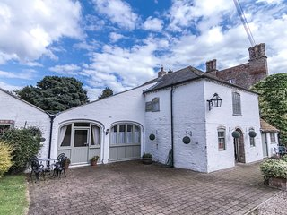 Stunning 3 bedroom Coach House in Luxury Grounds, Louth