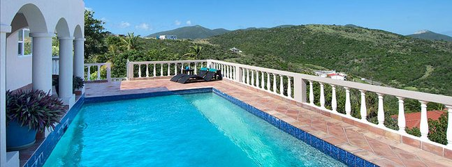 Villa Arcadia 2 Bedroom SPECIAL OFFER (The Pool Deck Offers Gorgeous Views And