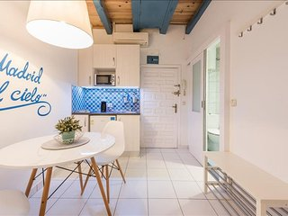 Cielo Almudena apartment in La Latina with WiFi & integrated air conditioning (h