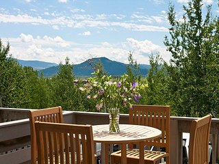 Renovated 5BR, 4.5BA Timber Ridge Townhouse Near Grand Teton & Skiing, Teton Village