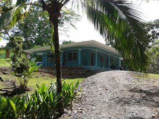 CASA BELLA Bright and Contemporary Tropical Home, Parque Nacional Manuel Antonio