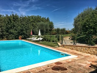 5 BDR Villa, Pool, Wifi, AC in Siena Countryside, Sienne