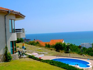 Stunning Sea view 3 bed Villa Monastery Hill Varna Golden Sands Pool Air Con!!