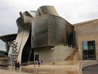 Frente al Guggenhein, Bilbao