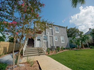 Drip Dry - Up - Folly Beach, SC - 2 Beds BATHS: 1 Full