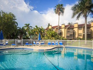 3 level TH, heated pool, steps to Siesta Key beach