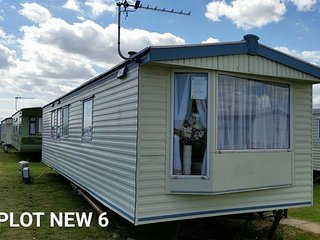 8 berth caravan ingoldmels on eastgate next to fantasy island, Ingoldmells