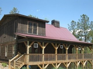 Wolf Creek Lodge- Ocoee River are cabin rentals, Murphy