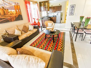 Gorgeous Luxury VIP Condo for up to 6, Saint-Domingue
