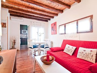 Sol Madrid I apartment in Sol {#has_luxurious_ame…