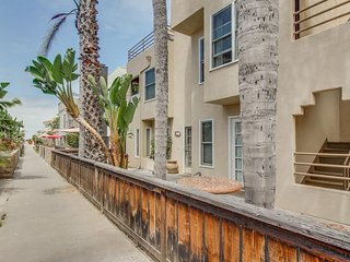 Close to Mission Beach, dog-friendly, great home essentials!