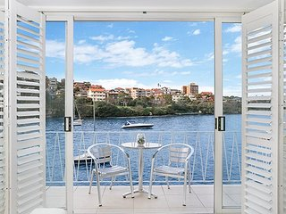 BADEN - Absolute Waterfront Studio, Sydney