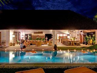 ABACA, Luxury 8 Bedroom Large Pool Villa, Petitenget>