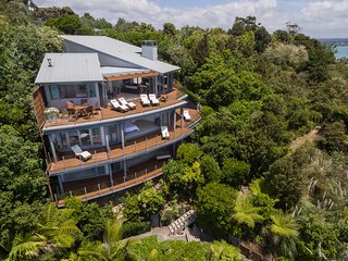 Blue Oasis – Luxury  Accommodation in Russell, Bay of Islands, New Zealand