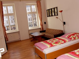 Nice 2 Room Appartement A, Berlim