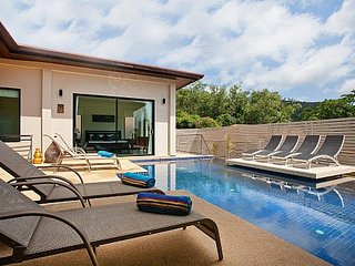 Large pool villa 1km to Nai Harn beach, Kata Beach