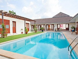 Stylish 4 bed golf course view villa, Kathu