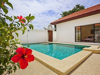 2 bed villa with pool 400m from beach, Pattaya