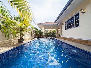 Baan Chokdee - 5 Bed - Private Pool, Jomtien Beach
