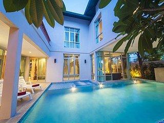 Ultra-modern 5 bed villa 500m to beach, Jomtien Beach