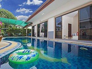 3 bed family pool villa near Bangsaray, Na Chom Thian