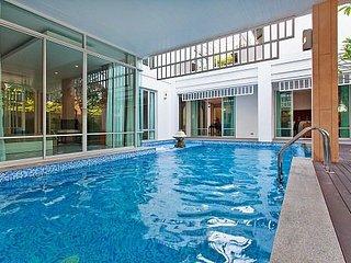 Jomtien Waree 9 with 6 bedrooms, Pattaya