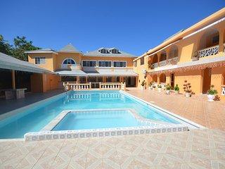 Villa Royale, Montego Bay, 6BR, Ironshore