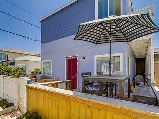 Splendid oceanview getaway- kitchen, 1 parking space, near the beach, San Diego