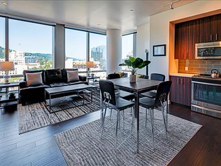 Stay Alfred Gorgeous High-rise Vacation Rental Overlooking Downtown Portland PW1