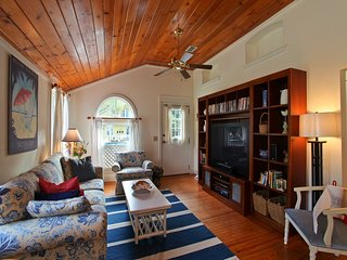 50% Off Sale! Downtown Cottage Walk To Everything!, Sarasota