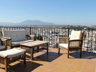 Town house with a spectacular view., Martos