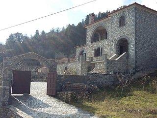 Stone mansion Anavriti