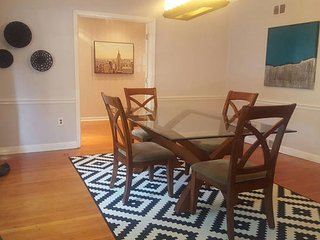 Large Beautiful House 25 minutes from Midtown NYC, Newark