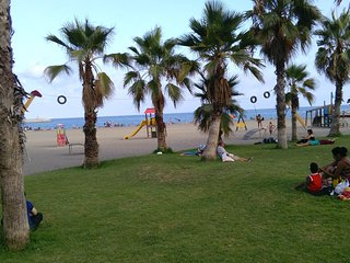Primera línea de playa. WiFi. Piscina. Garaje, Benalmádena