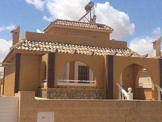 Bargain - 4 Bedroom Villa on Sierra Golf, Balsicas