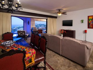 Hacienda Encantada - 2 Bedroom Suite with Breakfast