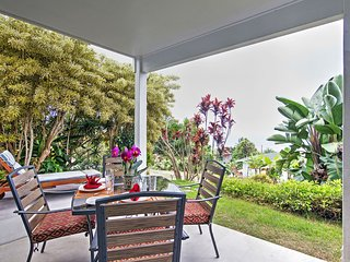 Kalaoa HideAway w/Ocean Views - 10 Mins to Kailua