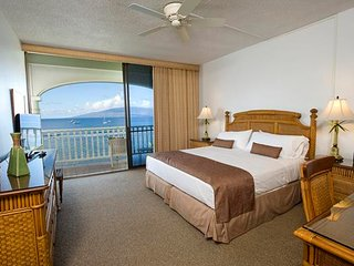 Oceanfront Condo on Lahaina's Front Street!