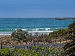 SUNSHINE WAVES - Apollo Bay, VIC